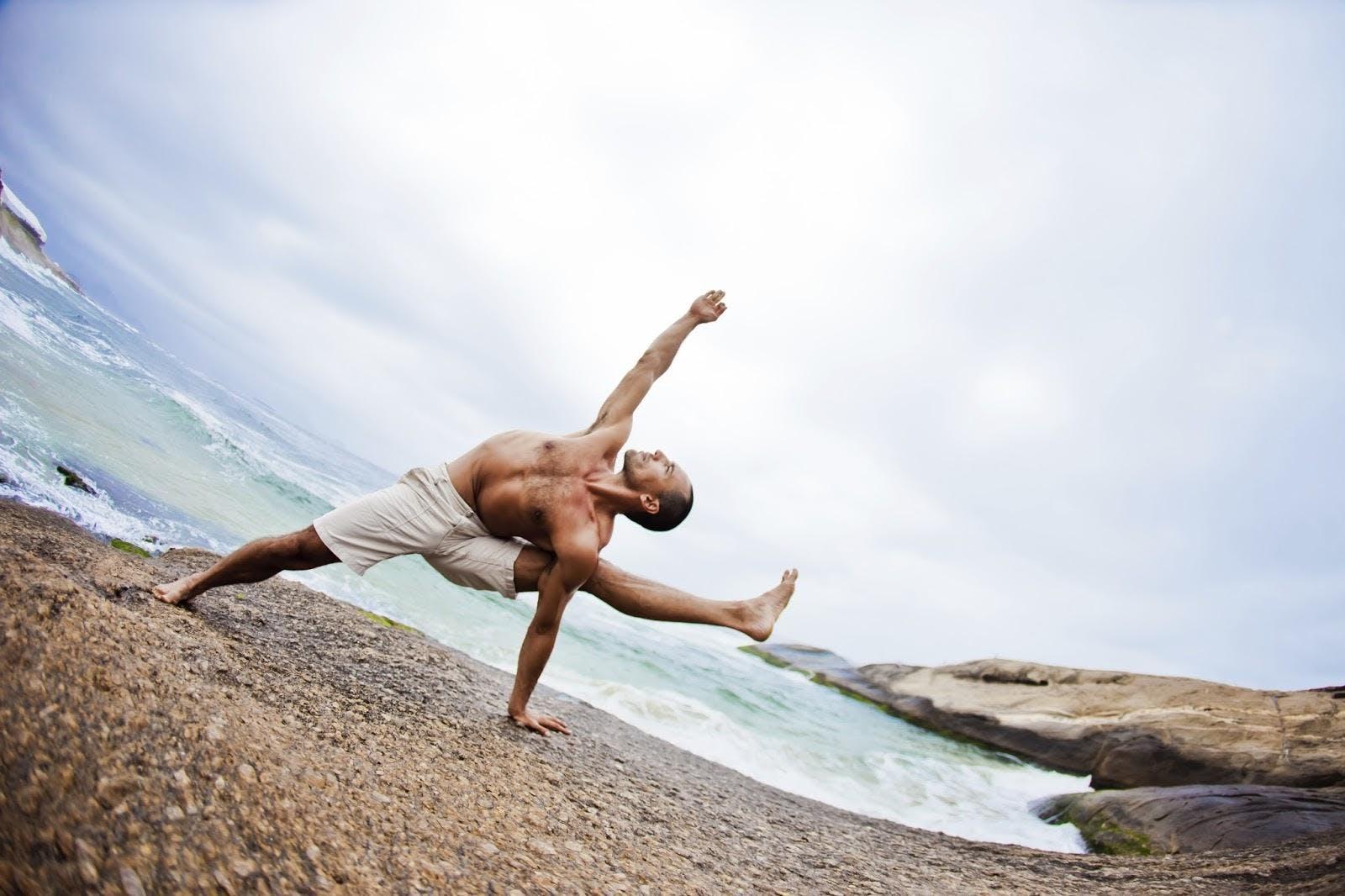 Hatha Raja Yoga con Agustín Aguerreberry