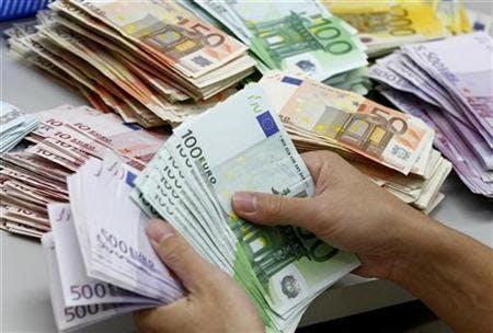 oFFRE DE PRET Pour emprunter sans banque, un prêt entre particuliers