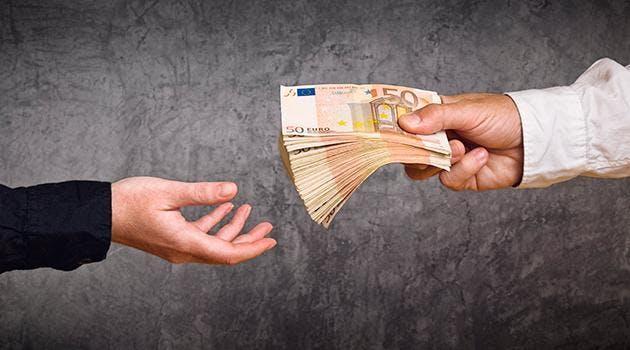 -Des Prêts commerciaux -Des Prêts personnels -Des Prêts de financement -Des Prêts immobilier  Et tout allant de 5 000 euros à 800 000 euros.