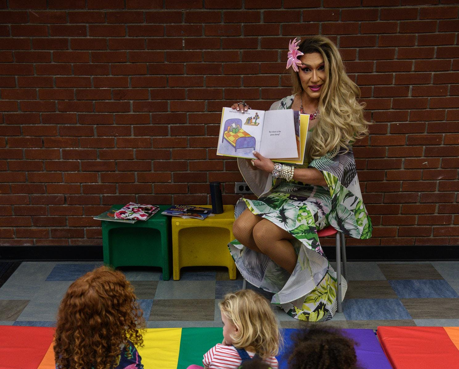 Drag Queen Story Hour with Lola Lemon