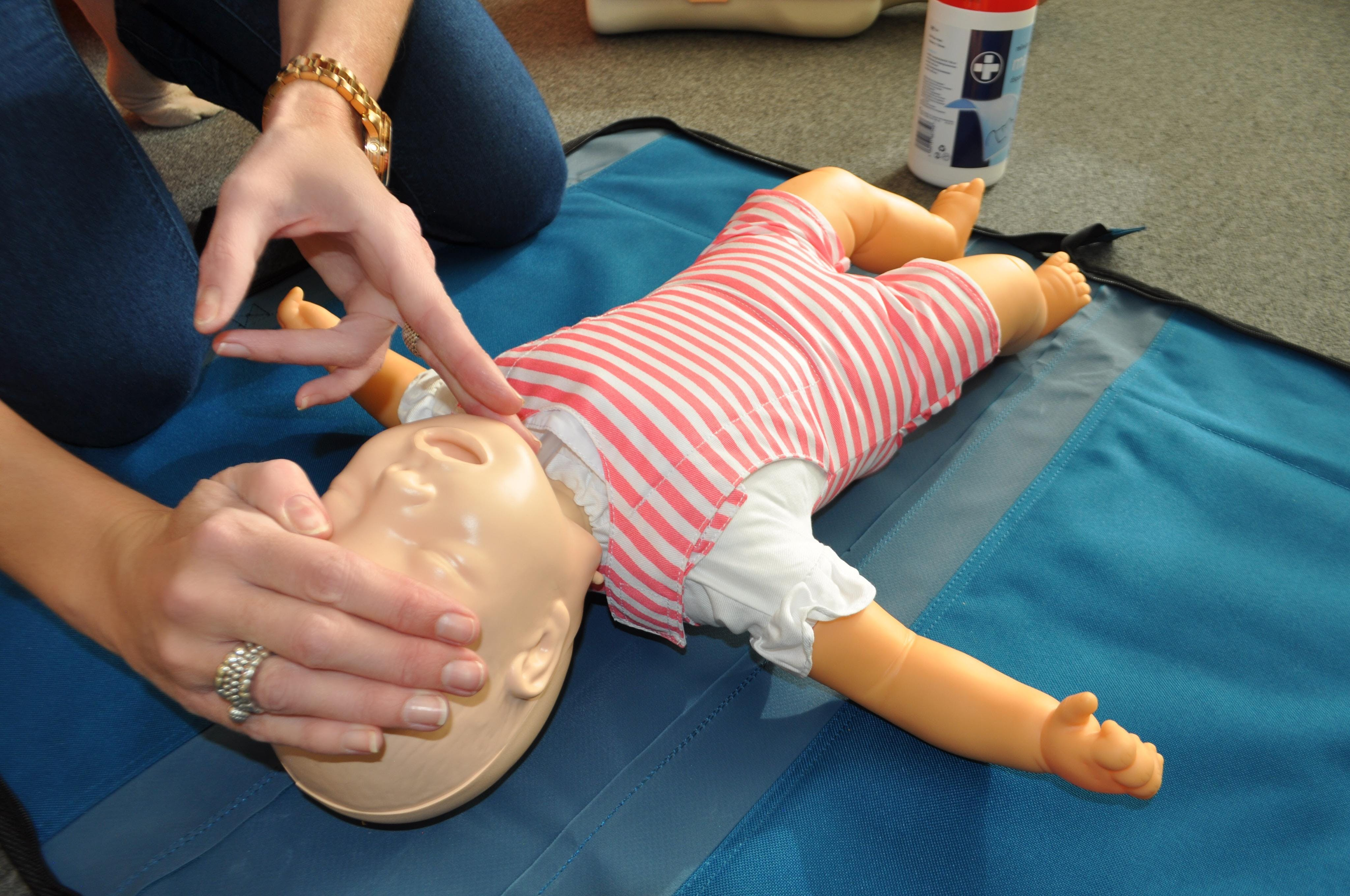 KINGS HILL Baby & Child First Aid Class for P
