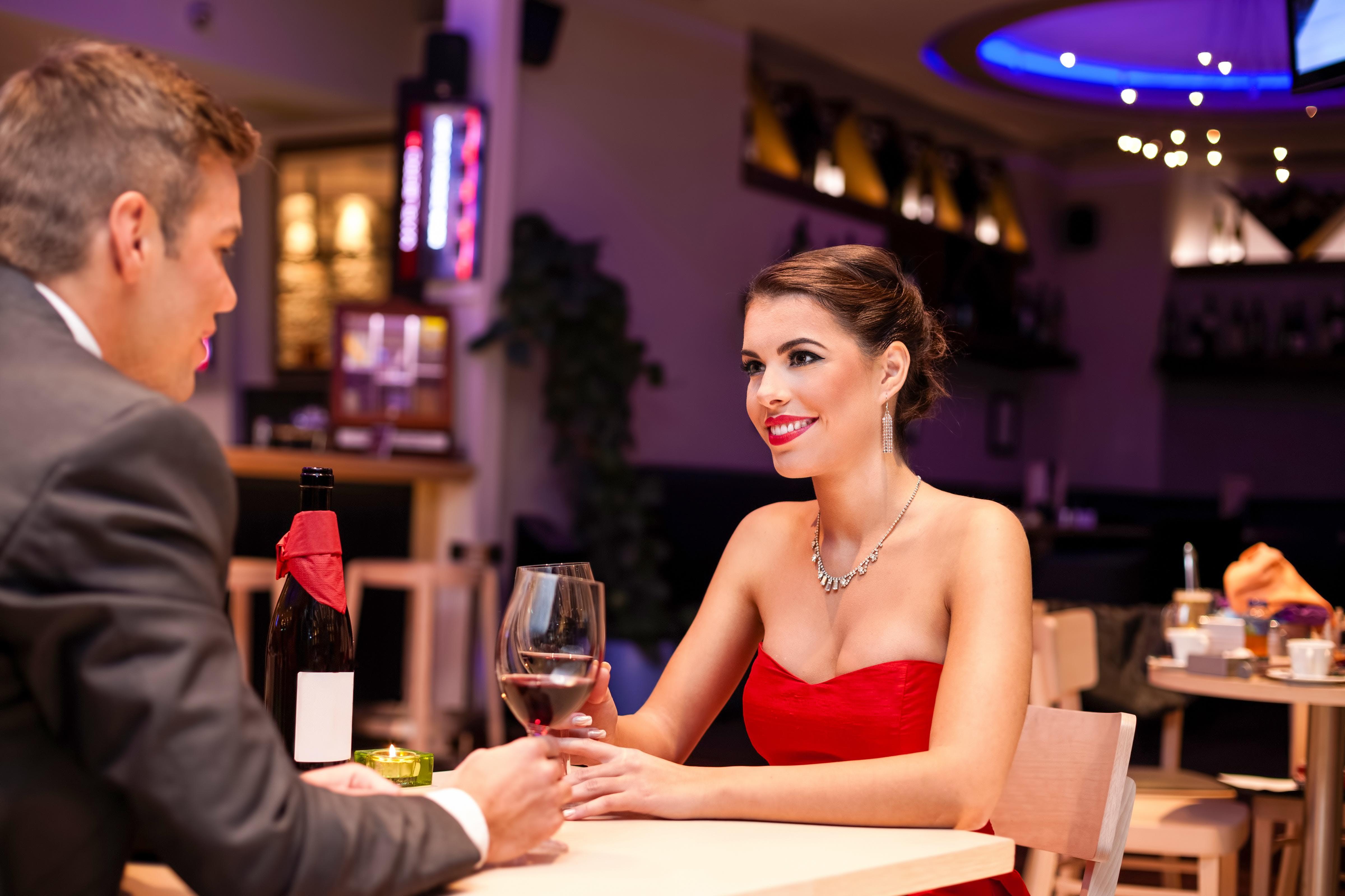 dating restaurant in manila
