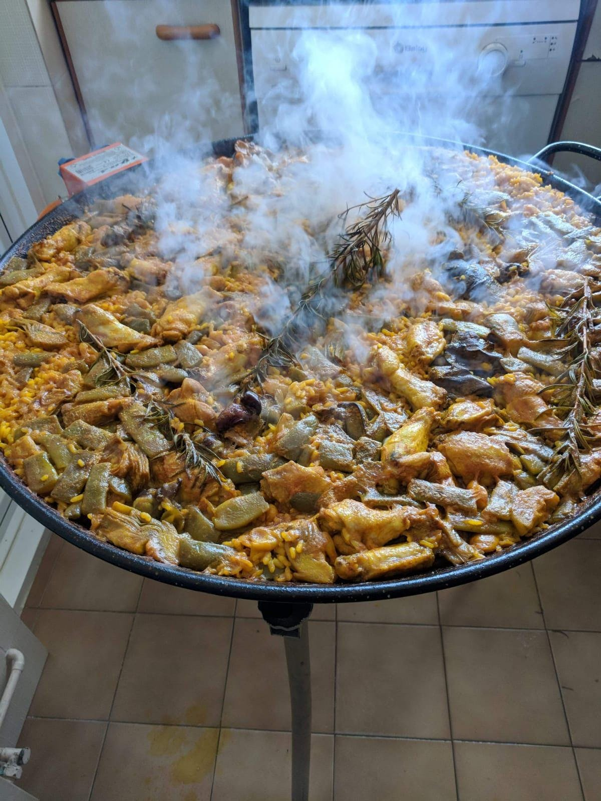 Valencian Paella: A tradition of sharing