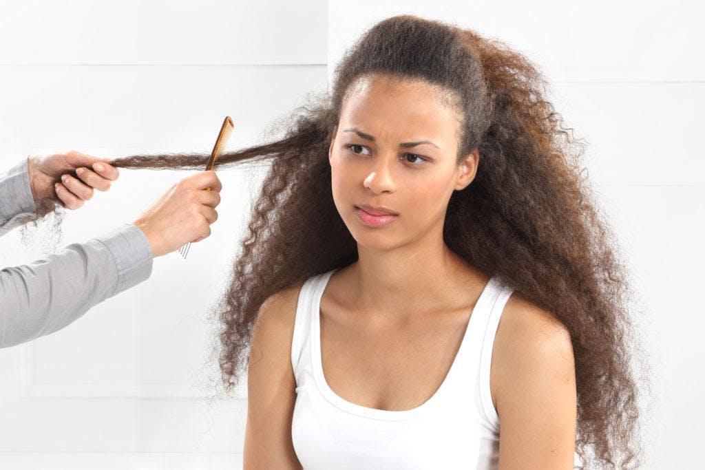 Vertrouw je krullen toe aan een haarstyliste