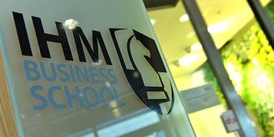 Välkommen på informationsmöte om IHM:s utbildningar parallellt med jobb.