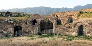 Visita all'Anfiteatro Romano di Avella