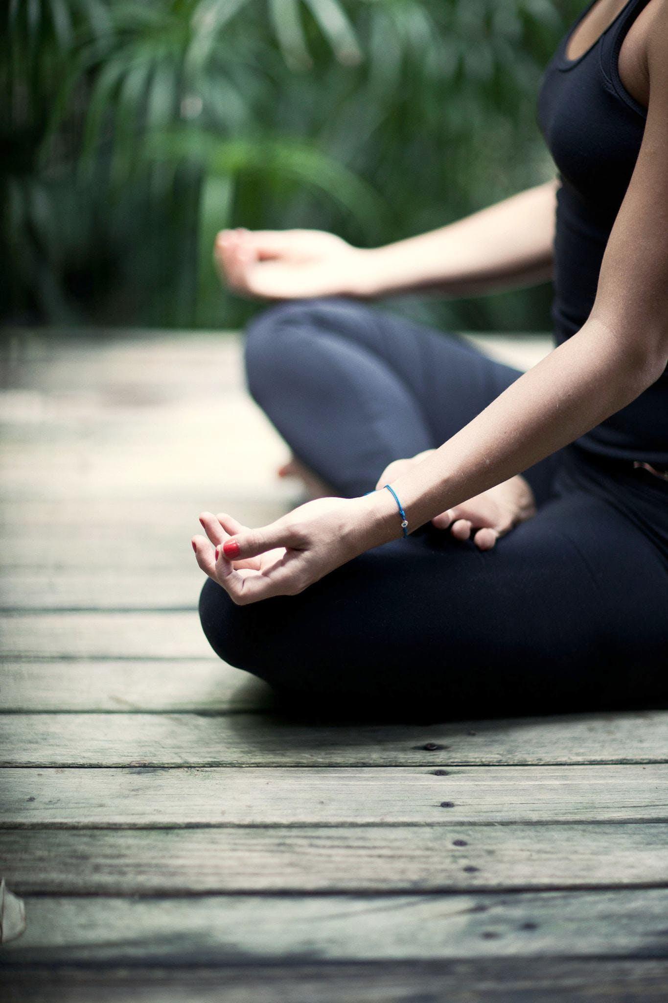 Clases de Yoga en Español - 27 OCT 2018 f389c67363b3