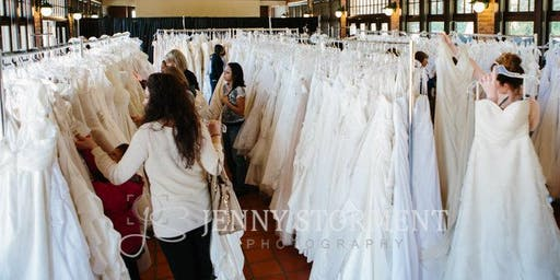 Volunteer @ Brides for a Cause & MOViN 92.5's Dress Dash