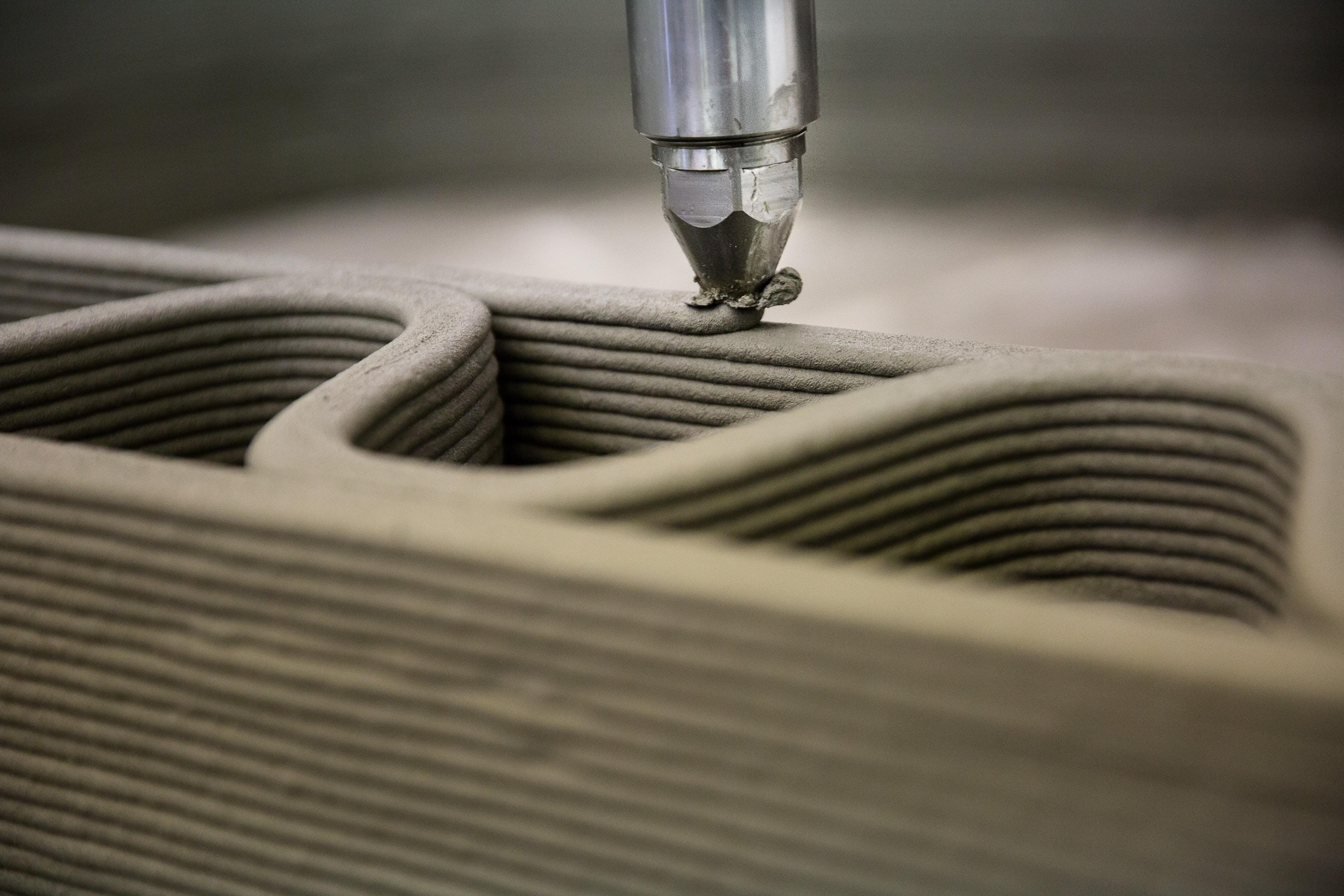 Large-Scale 3D Printing for Construction : De
