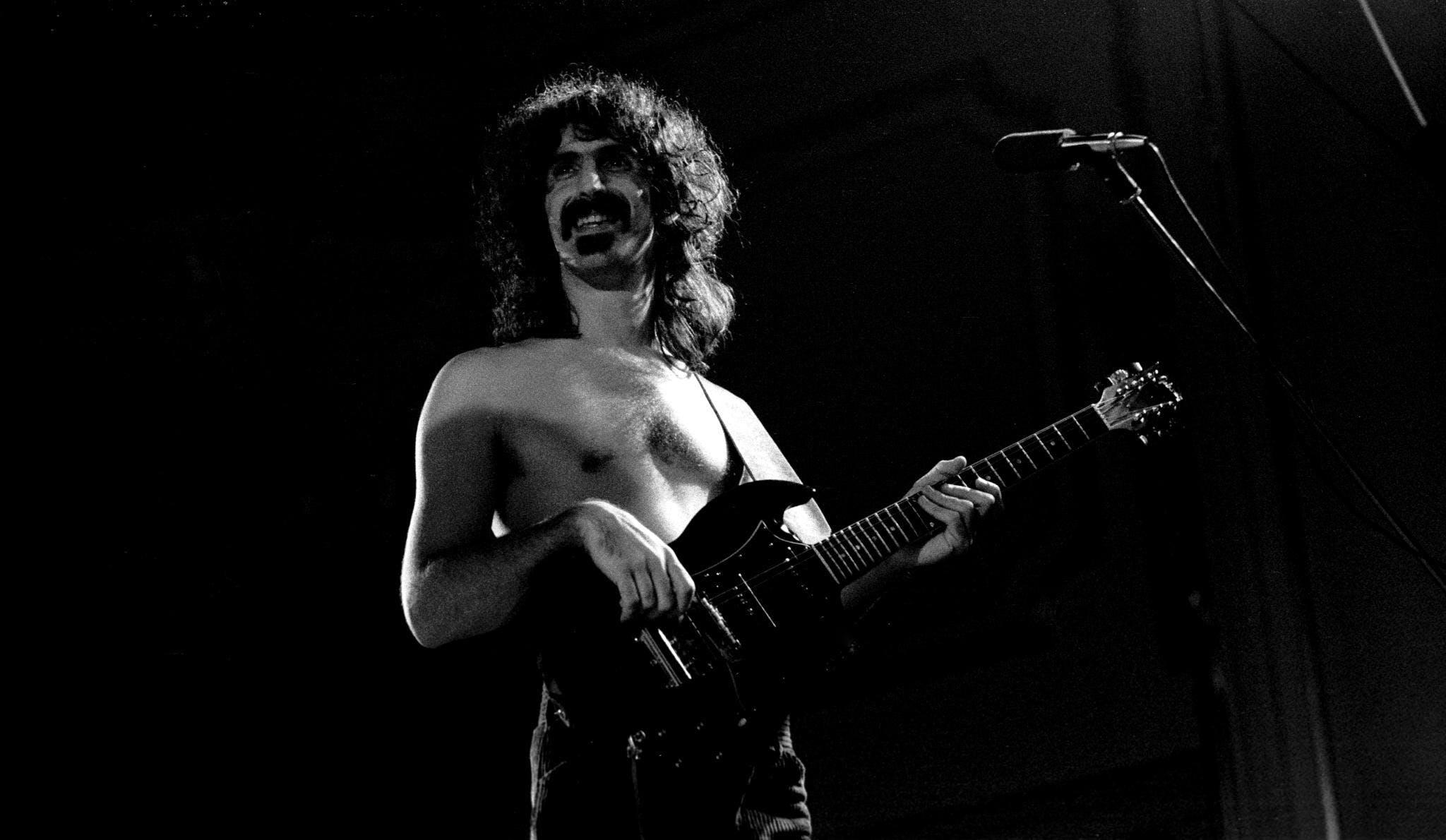 Undercoversessie: Frank Zappa • Roepaen Podium