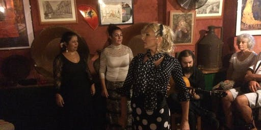 Flamencoshow and Tapas with a flamenco dancer
