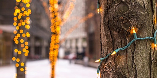 Hunt's Photo Walk: Holiday Lights in Downtown Portland (and Portland Head Light)