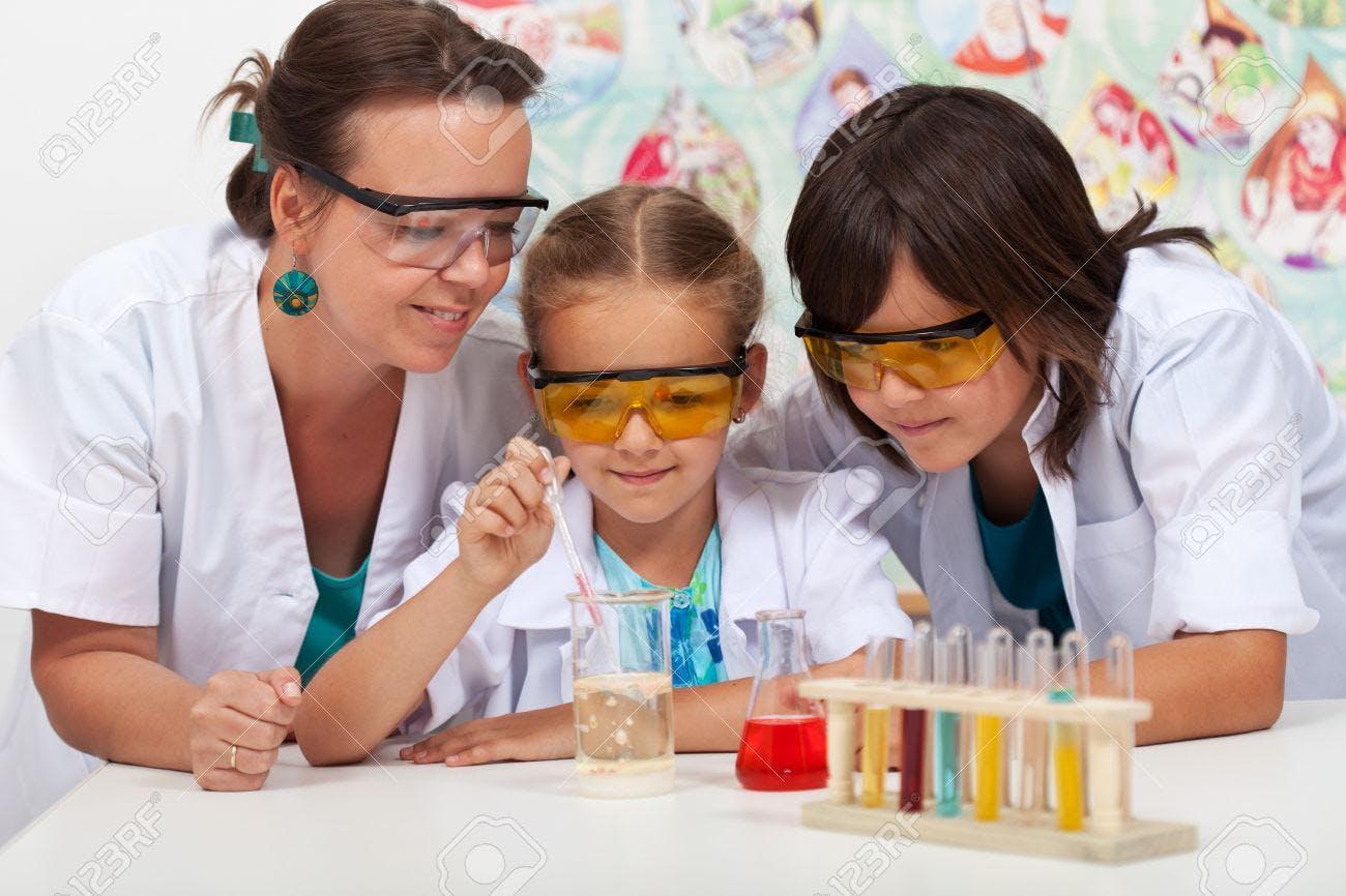 CHI?..........MICA: laboratorio di chimica