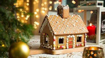 Kids Class, 4+: Gingerbread House Decorating with Santa