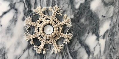 Atelier flocon en macramé #2 (DIY décoration de Noël à suspendre ou poser)