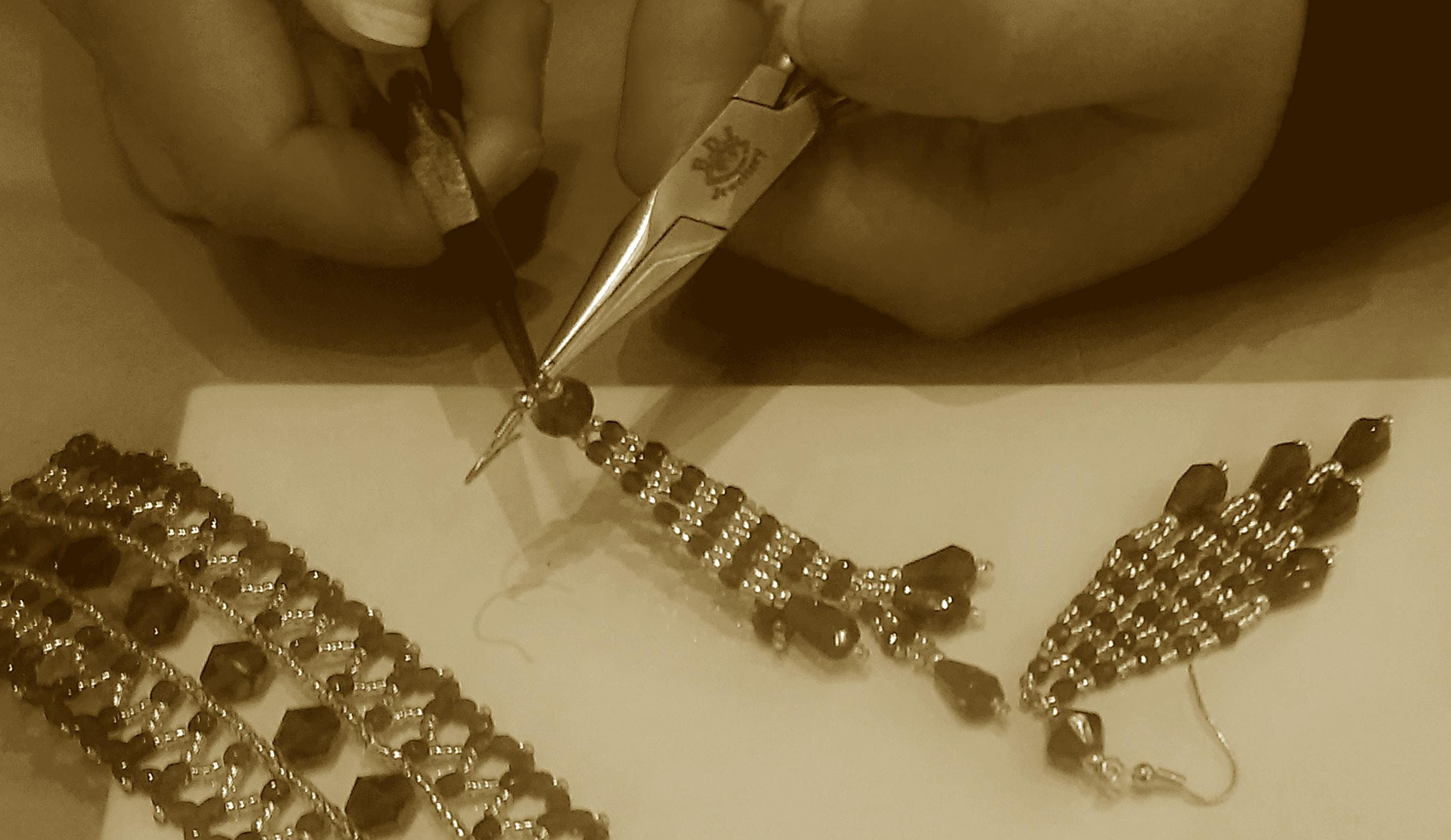 Jewellery making in Bead Weaving with  Afternoon Tea treats