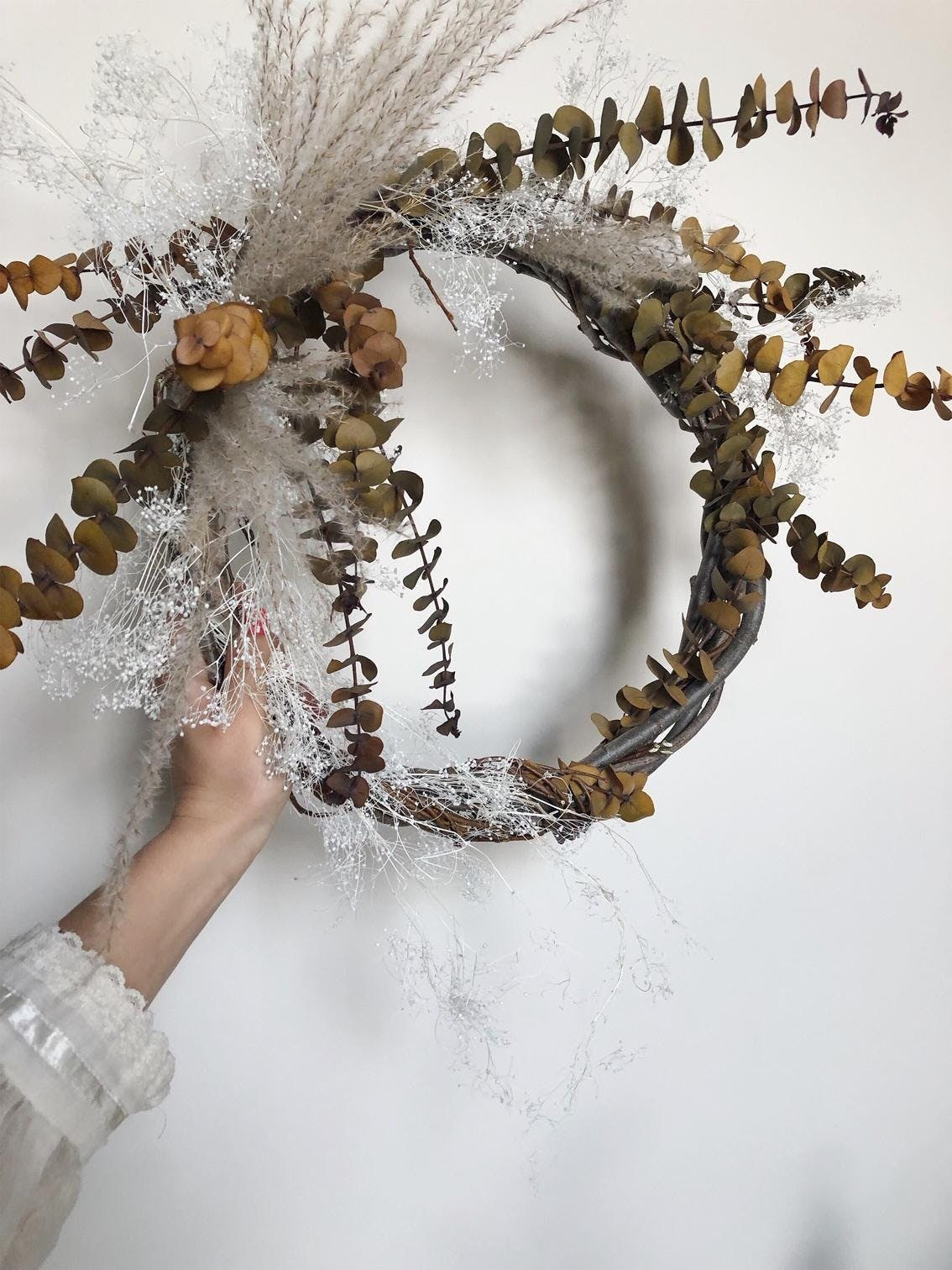 Dried Holiday Wreath Making Workshop