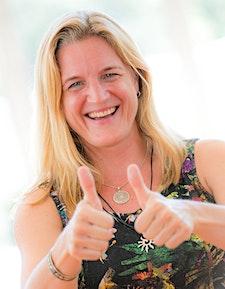 Angela Mecking - Happiness.Community logo