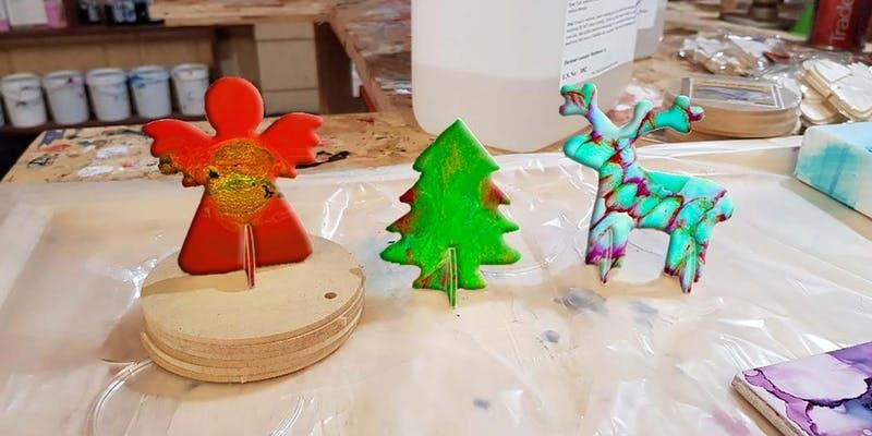 Christmas Ornaments and Tapas Boards with Resin Art Workshop