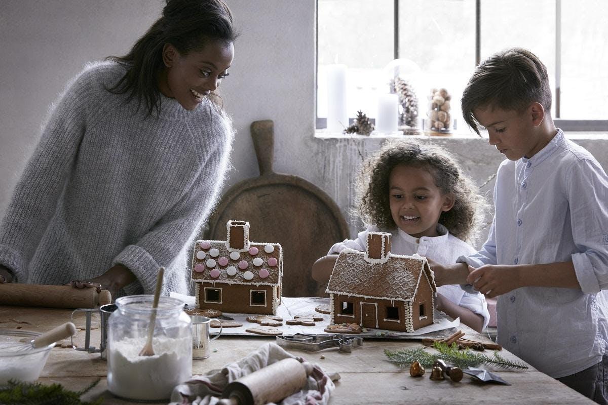 Gingerbread House workshops!