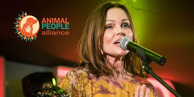 Meet Belinda Carlisle Backstage in the UK