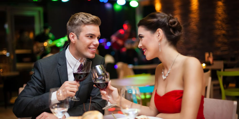 good gifts for one year dating