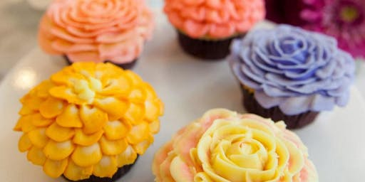 Magnolia Bakery NYC: Advanced Flower Cupcake Decorating Techniques 2019