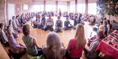 OM CHANTING EDGWARE - Experience the Power and Vibration of OM