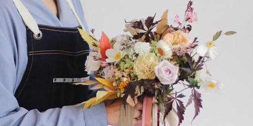 An introduction to floristry; a floral workshop, Hand Tied Bouquet making
