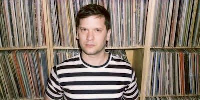 Green Gorilla Lounge presents Tim Sweeney