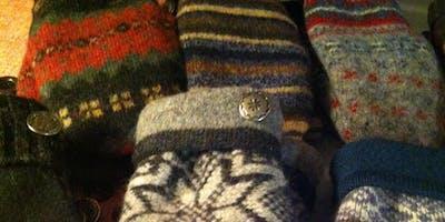 Make Fleece-Lined Woolen Mittens