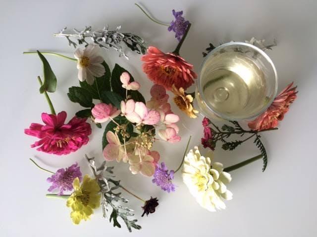 Wine & Design Floral Basics Class