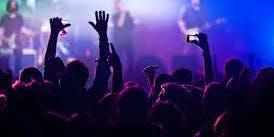 scuola upt contro cantanti nazionali