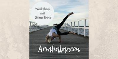 Yoga-Workshop Armbalancen mit Stine Brink