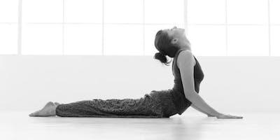 Classe Speciale Sequenze Yoga per il mal di schiena. Prenota gratuitamente, paga in palestra