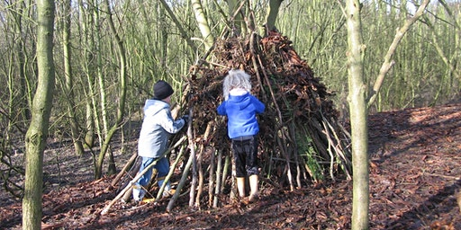 Winter Den Building and Marshmallows at Kingsbury Water Park.