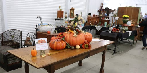 October Antique Market shipshewana Trading Place Pavilion