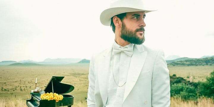 The Giddy Up featuring Robert Ellis - The Texas Piano Man, & Friends