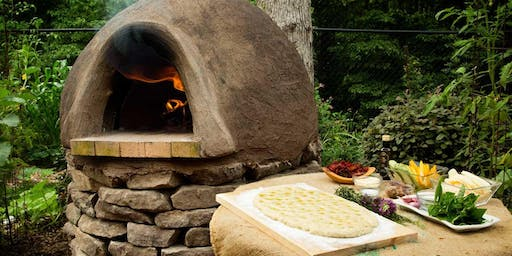 Natural Building with Cob - Building a Pizza Oven!