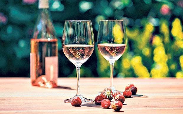 'Blind Wine Tasting: Chilled