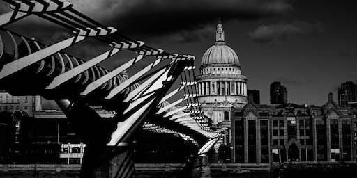 Golden Hour and Night photo walk from Tate Modern to London Bridge