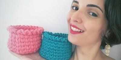 Oficina Crochê com Fio de malha - Cestos Redondos por @dengoseformas