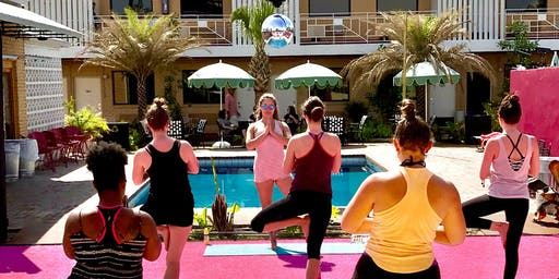 Pool-Party Yoga!