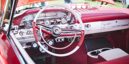 Cruisin' for the Arts Car Show