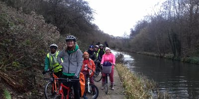 Explore the canal by bike!