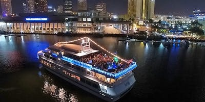 THE LEGENDARY ALL WHITE YACHT PARTY MEMORIAL DAY WEEKEND IN MIAMI