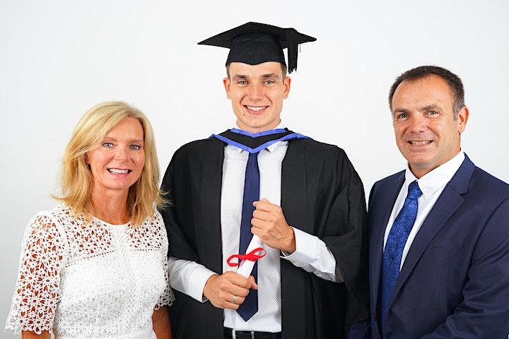 Brighton Uni FREE Graduation Photos image