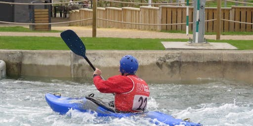 Group Kayaking Whitewater Paddle Weekend, Lee Valley