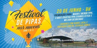 """Festival de Pipas: \""""Nas Nuvens\"""""""