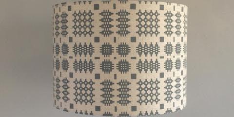 Eisteddfod 29/06 PM Peris and Corr - Argraffu Ffabrig Lampshêd  | Fabric Printing Lampshade